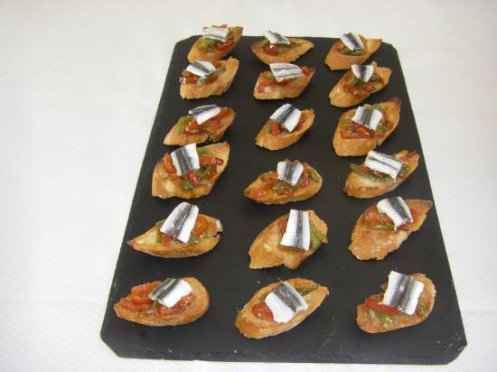 Ragout de poivrons, anchois mariné