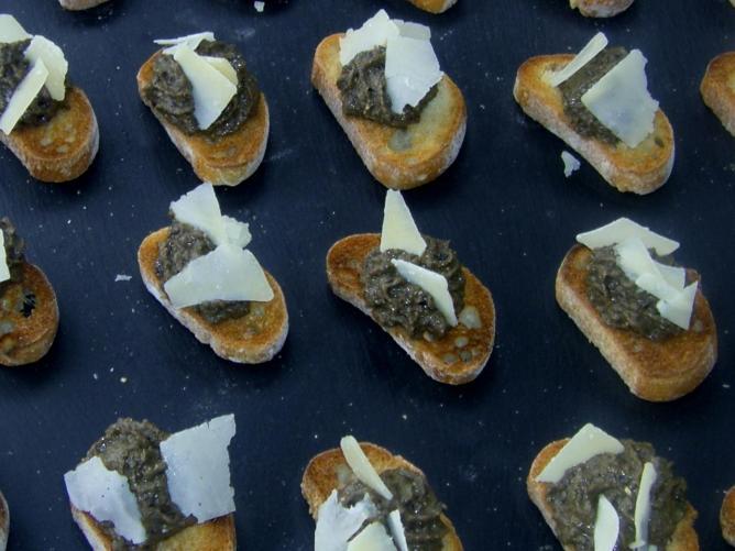 Tapenade à l'olive noire et brebis